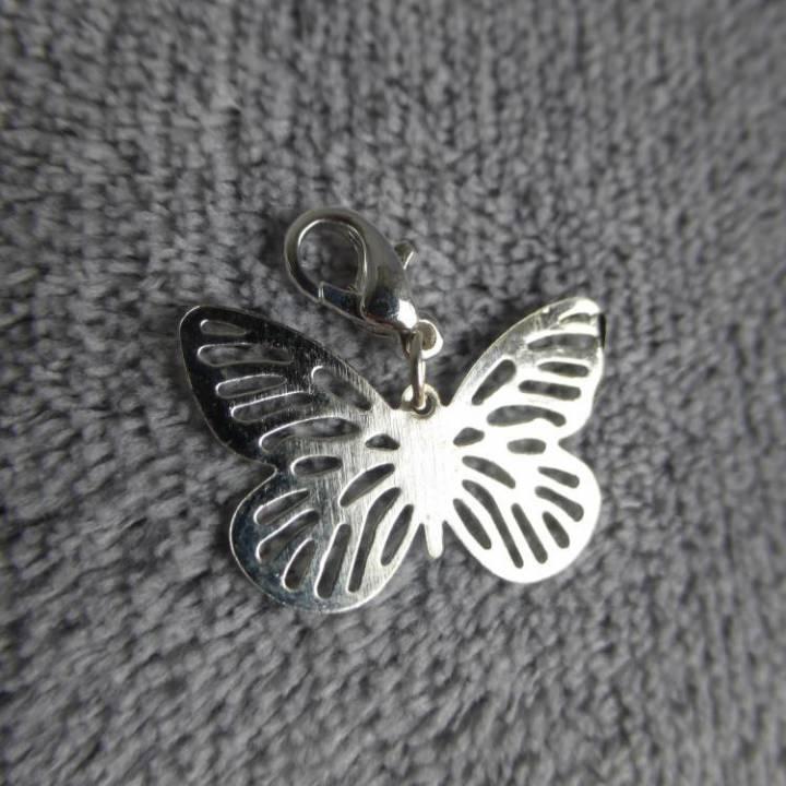 Mousqueton charms papillon filigrané - thème animaux