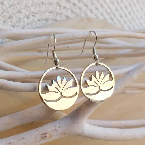 Boucles d'oreilles argentées lotus