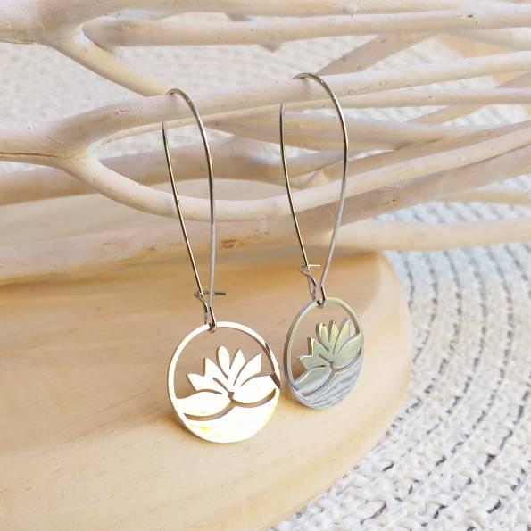 Boucles d'oreilles argentées pendantes lotus