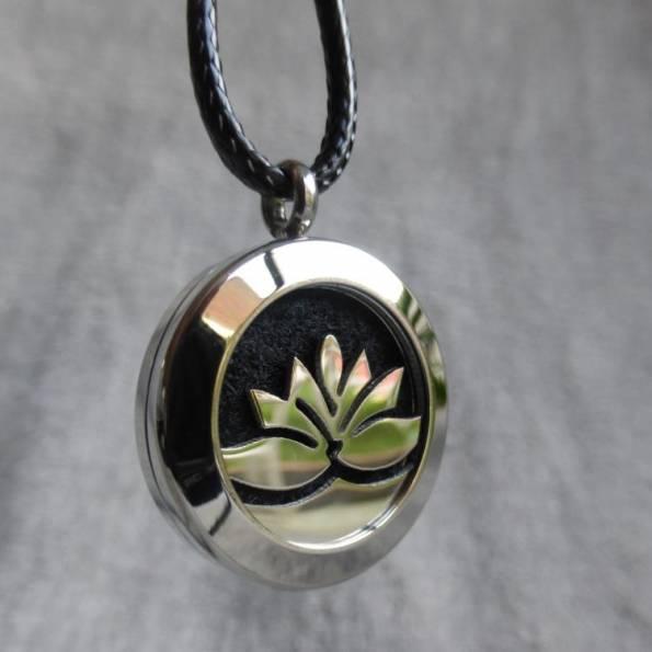 Pendentif diffuseur de parfum UNO lotus