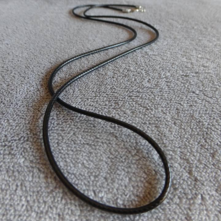 Cordon en cuir noir, taille collier