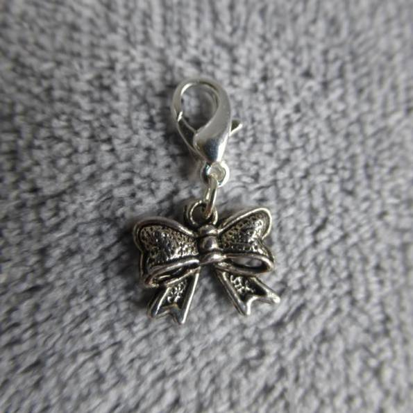 Mousqueton charms mini noeud - thème noeud