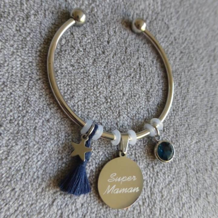 """Bracelet Médaille Gravée """"Super Maman"""" - Couleurs au choix"""