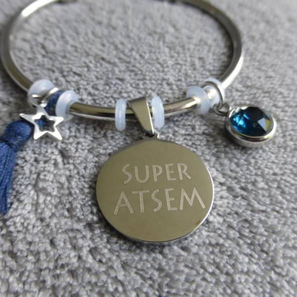 """Bracelet Médaille Gravée """"Super ATSEM"""" - Couleurs au choix"""